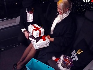 Pulverized IN TRAFFIC - Christmas fuck-a-thon In truck With Lynna Nilsson