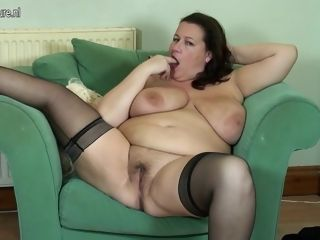 Enormous titted brit Mature plus-size Getting Wet And insane - MatureNL