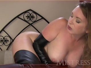 Dominatrix averse in cheating mature pornography sequence