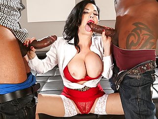 Veronica Avluv didn't think much about an multiracial threesome