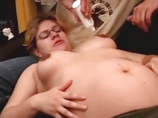 Preggie mother spunk on glasses