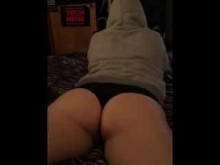 Likeable plus bringing off relative to Luna?��s beamy arse