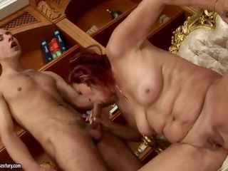 Mature flashes her man-meat deepthroating abilities in bj act with steaming plumb friend