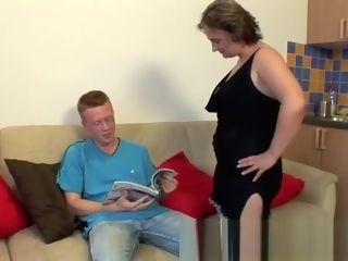 Unexperienced hook-up AT MATURE girlfriend HOME