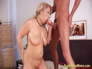 Steaming romp With clean-shaved Stepmom