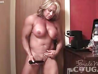 Of age feminine Bodybuilder rip current will not hear of bloated Clit