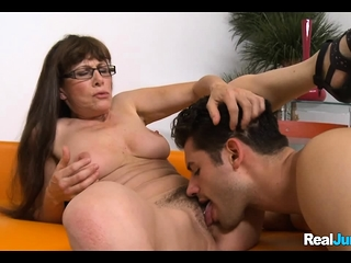 Mature milf penetrates youthful fellow