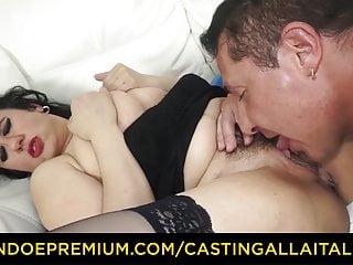 Audition ALLA ITALIANA - Breasty cougar ravaged in shaggy gash