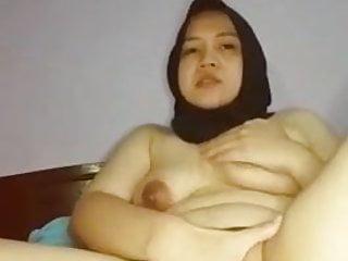 Indo hoot nikmat ngocok pakek terong 01