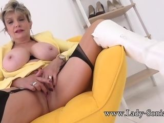 Buxom blond chick Sonia wants to jack with you