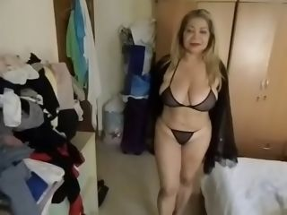 Sizzling cougar