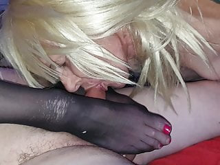 Face Sitting on Mature Guy's Face with pantyhose sole Job masturbate