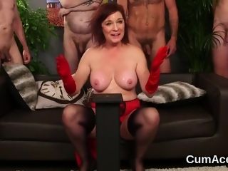 Super-sexy honey gets money-shot on her face blowing all the jizz