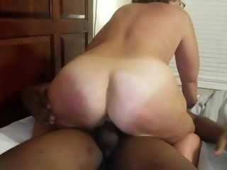 Bespectacled Bigbutt Cougar's Homemade bi-racial