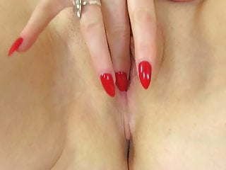Gorgeous ginger-haired mummy wants your prick