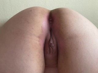 Housewife butt popshot ON cunt