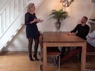Marie towheaded Francaise De 45ans Secretaire De Direction Prise En group