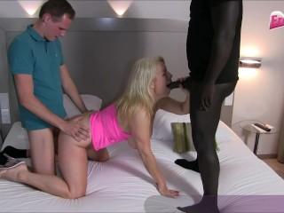 DREIER MIT RIESENSCHWANZ - German platinum-blonde cougar during big black cock internal ejaculation three way