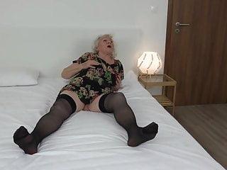 Vom Pfleger Gefickt -Granny Norma