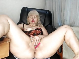 Mature woman Fox cant stop pumping out