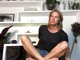 Pr. Cutie cougar Yoga gams