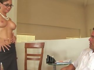Holly West works rock-hard to get that penis guy goo all over her tantalizing glasses