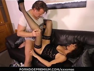 Off colour OMAS - of age German tiro Elke S. Gets will not hear of frowardness with an increment of pussy rim give dig up