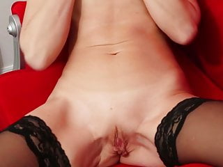 Towheaded mature gal Sylvie delectations her hairless vagina