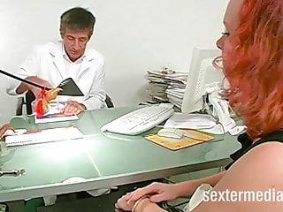 Klinik fucky-fucky mit nasser Patientin