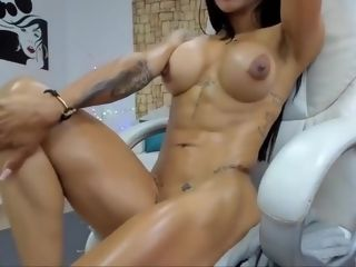 Bare Latina, girl Muscle