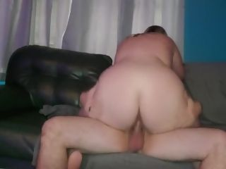 Housewife rails and gets creampied