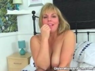"""English cougar Danielle is prepped for naughtiness"""