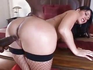 Jaw-dropping Belgian cougar Eva Karera cravings big black cock