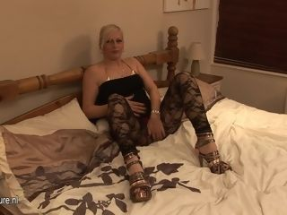 Super-naughty blond cockslut Playing With Her Wet vag - MatureNL