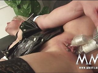 Pierced nymphomaniac pleads for mass ejaculation jizz