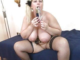 Gigantic boobed mature whore toying