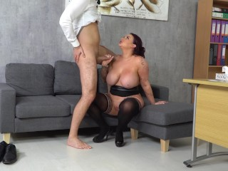 Sensual chief Harmony Reigns can?��t get enough of employes phat fat pipe