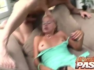 'Hot Mature Payton Leigh Gets Her Dick'
