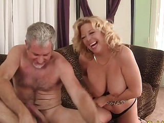 Platinum-blonde grandmother Karen Summers Enthusiastically fellates and pokes a enormous schlong