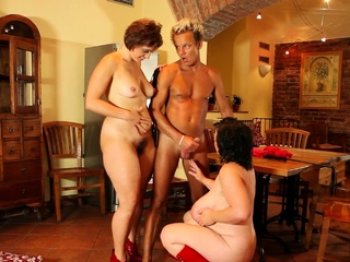 Obese mature woman and her buddy get porked