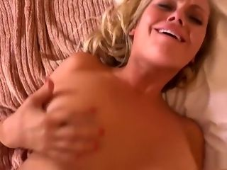 Sizzling huge-chested cougar does very first pornography for MomPov