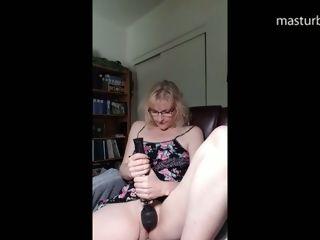 Nub rubdown with my dark-hued massager