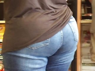 Chubby GILF booty and thighs