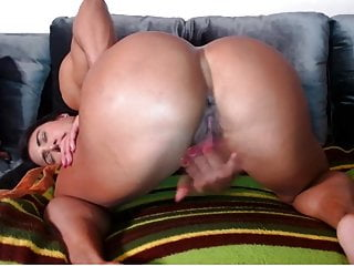 Assets builder lady with phat boobies and phat bud plays to ejaculation