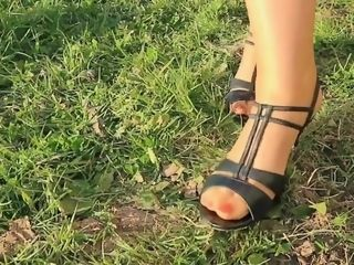 Outdoor sole worship activity with mommy nylon soles
