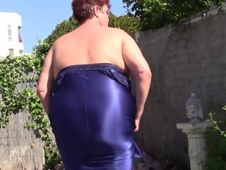 Monstrous knocker aunt-in-law Makes vid To jack Off