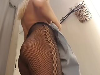 Public getting off In switching Room-super super-steamy chick