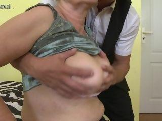 Wild ample jugged grannie Doing Her Way junior paramour - MatureNL