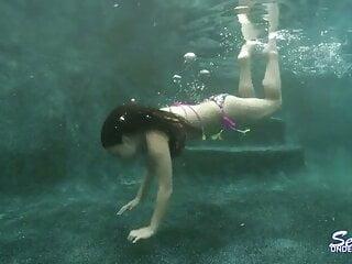 Rikki Nyx has Underwater lovemaking