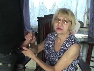 Wrinkle grannie Is A bitch... She screws For currency